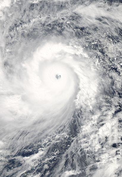 Haiyan_2013-11-07_0420Z